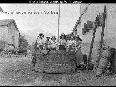 Vendanges, Saint-Pierre-de-Clages, ca 1910
