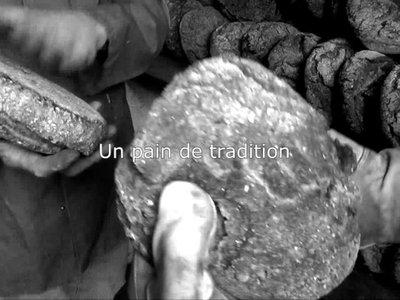 Le pain de St-Luc, une tradition ancestrale.